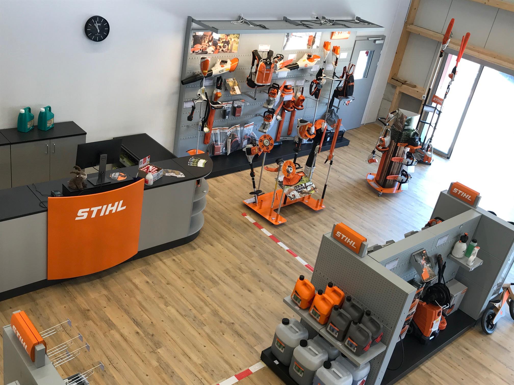 Ausstellungsraum Keller Landtechnik GmbH